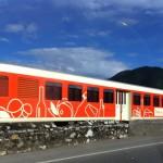 Il Treno dei Sapori vestito dalla caratteristica livrea arancione