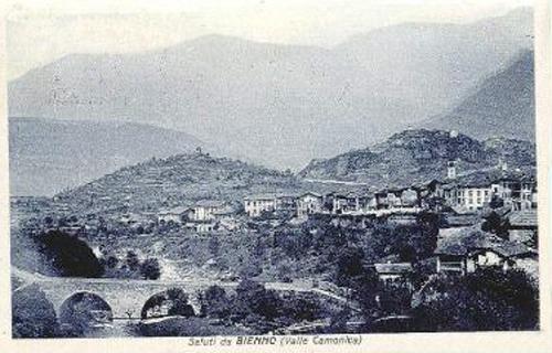 Cartolina panoramica di Bienno nel 1928